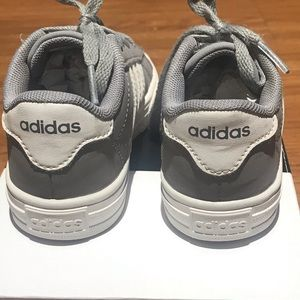 adidas Shoes - Adidas Daily 2.0 Sneaker Little Boys Size 9